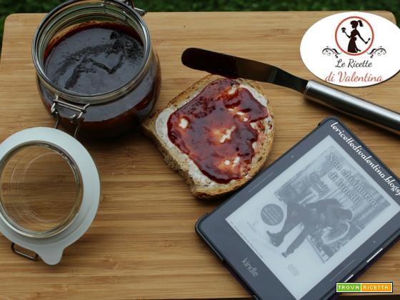 MANGIA CIO CHE LEGGI  74: Marmellata di fragole e zucchero muscovado, ispirata da Non chiamarmi di lunedì di Daniela Volontè (ricetta bimby)