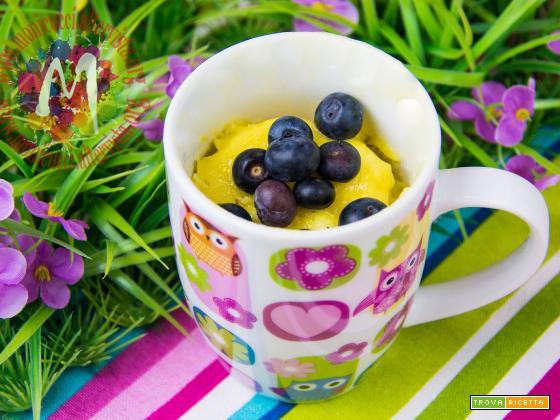 Mug Cake limone e mirtilli