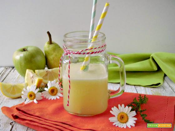 Succo detox con limone mela e pera