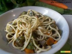 Spaghetti rigati alle verdure e pesto