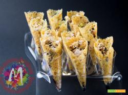 Coni di Parmigiano con mousse di mortadella e glassa di balsamico fatta in casa
