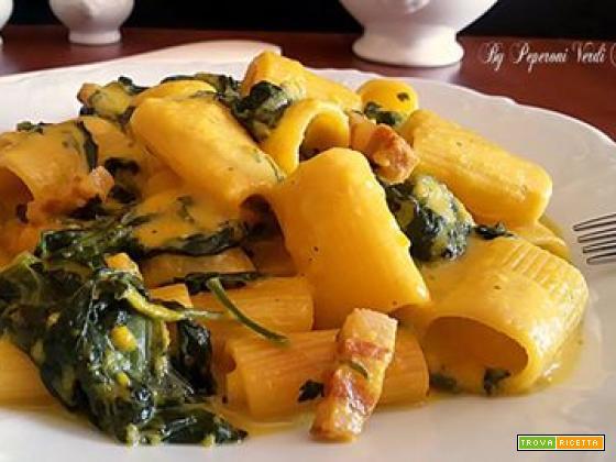 Mezze maniche risottate con spinaci e pancetta