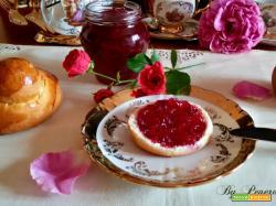 Confettura di rose antiche