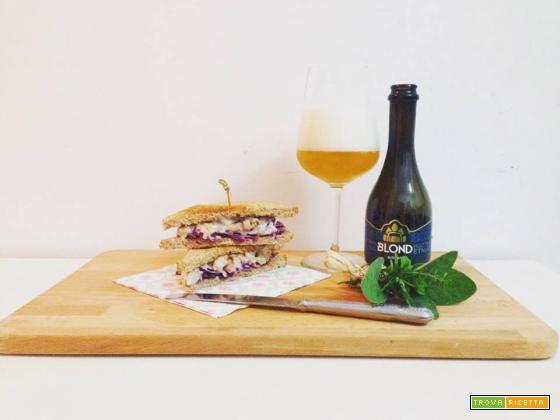Club sandwich di coniglio blond e rafano