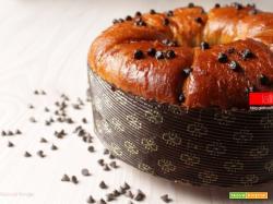 Ciambella soffice con gocce di cioccolato