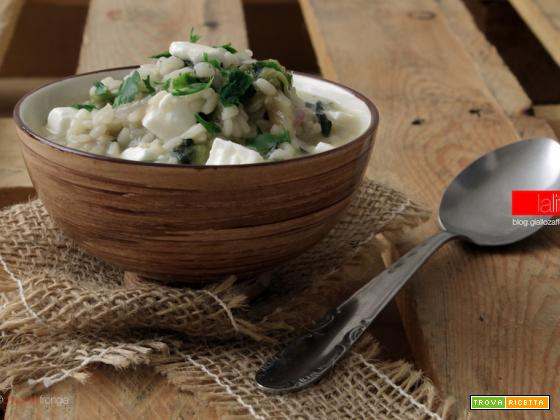 Minestra di riso con cicoria e feta