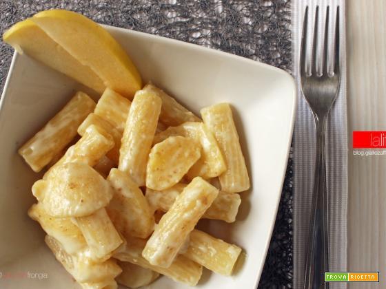 Pasta con Asiago e mele | Ricetta vegetariana