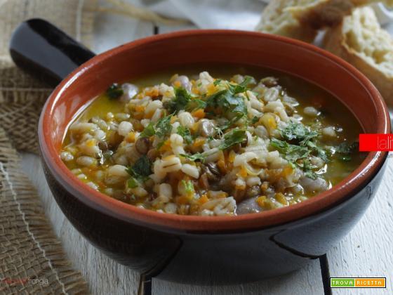 Zuppa di orzo e legumi, ricetta semplice