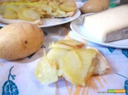 Pizza con patate e fontina – lievito madre