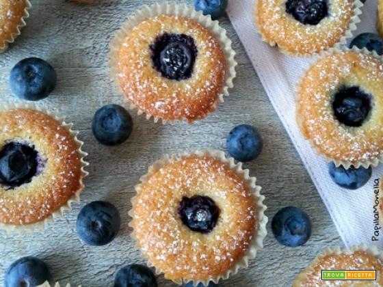 Mini muffin ai mirtilli freschi e vaniglia