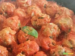 Polpette di lenticchie al sugo di pomodoro