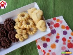 Biscotti alla vaniglia con sparabiscotti