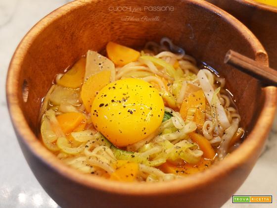 Noodles nei colori del sole