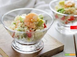 Insalata di riso con gamberi e avocado