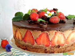 Mousse cake al cioccolato e fragole