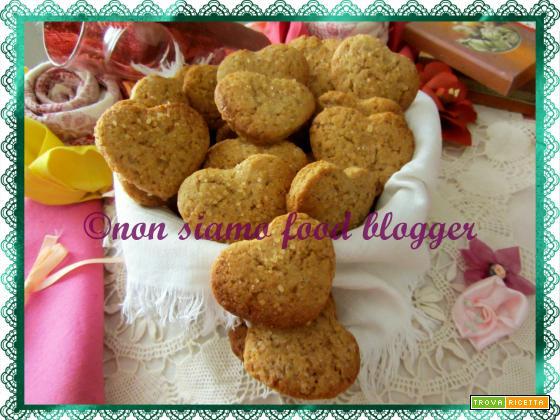 Biscotti integrali al miele senza burro e uova