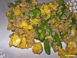 Quinoa con fagiolini e uova
