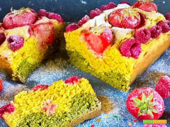 Vegan Plumcake  di Frutta con farina di grano Saragolla, colorato con Alga Spirulina e Curcuma!