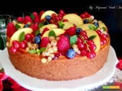 Cheesecake ai frutti di bosco e pesca