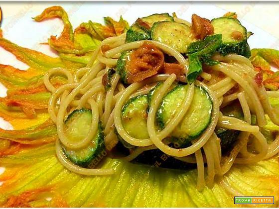 Spaghetti ai ricci e zucchine
