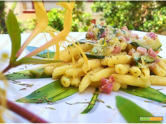 Caserecce con pancetta e zucchina