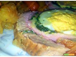 Rollé di maiale con spinaci e uova sode