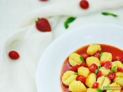 gnocchi di patate con pomodorini e fragole