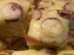 Focaccia (alta) con wustel e mozzarella