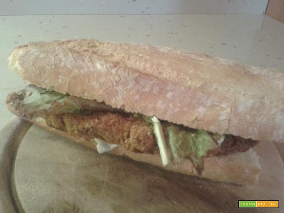 Panino con pollo fritto speziato