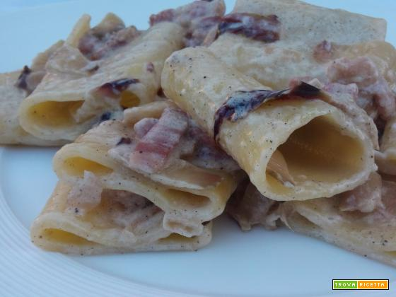 Pasta al radicchio rosso e pancetta