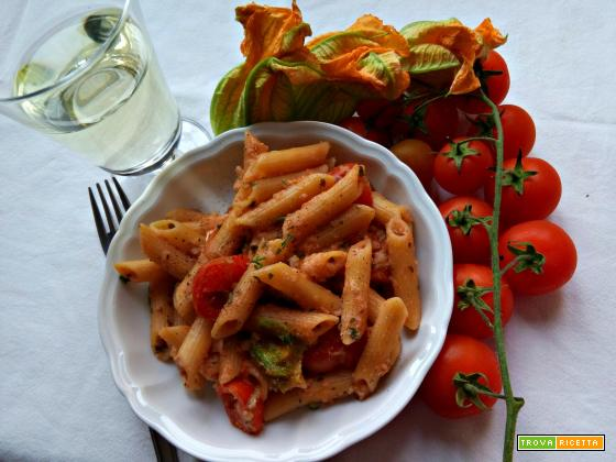 Pasta al sugo di merluzzo e fiori di zucca