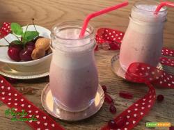 Smoothie vegani ciliegie e mandorle