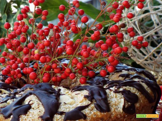 Ciambella con pere, noci e cioccolato