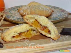 Biscotti con ritagli di frolla all'arancia