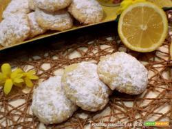 Biscotti morbidi panna e limone