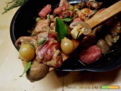 Bocconcini di maiale con salsiccia all'uva bianca