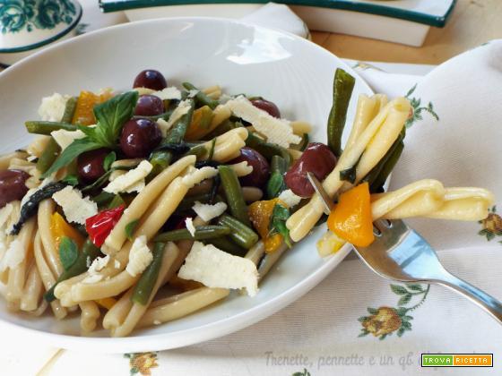Casarecci con peperone, fagiolini e olive