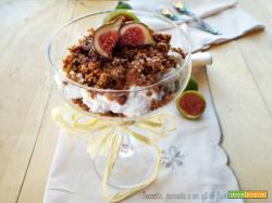 Cheesecake in coppa con fichi