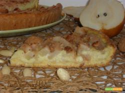 Crostata alla zucca con crema di mandorle e pere