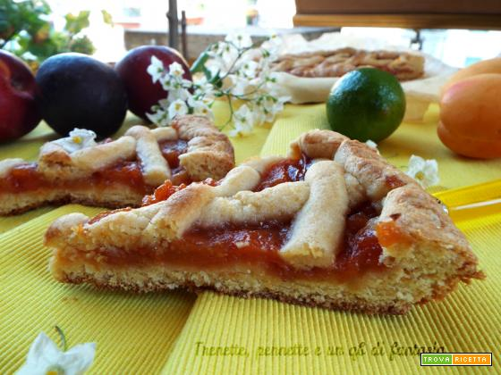 Crostata con marmellata di frutta mista