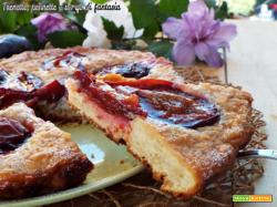 Crostata morbida di prugne caramellate