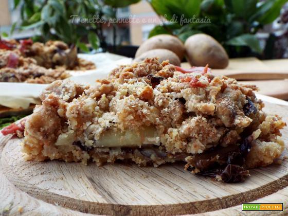 Crostata sbriciolata con patate e radicchio