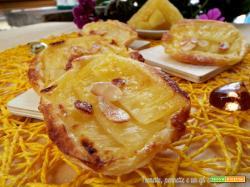Mini Tarte tatin di sfoglia all'ananas