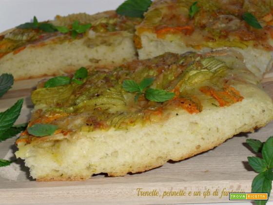 Pizza morbida con fiori di zucca e scamorza
