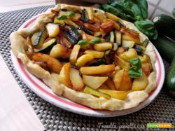Pizza rovesciata in padella con verdure