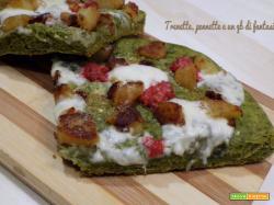 Pizza verde con patate, salsiccia e taleggio