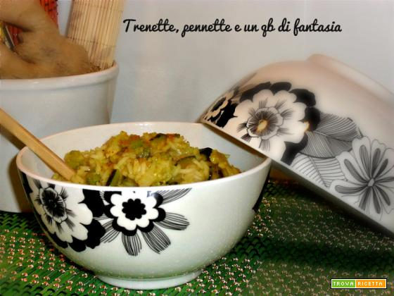 Riso al curry con broccolo e zucchine