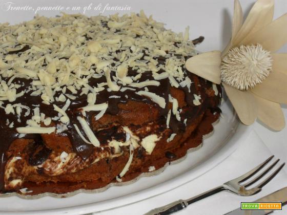 Torta soffice al cioccolato con crema Tiramisu' e Nutella Tre..