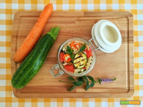 Insalata di orzo e verdure