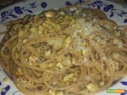 Pasta integrale con noci e gorgonzola